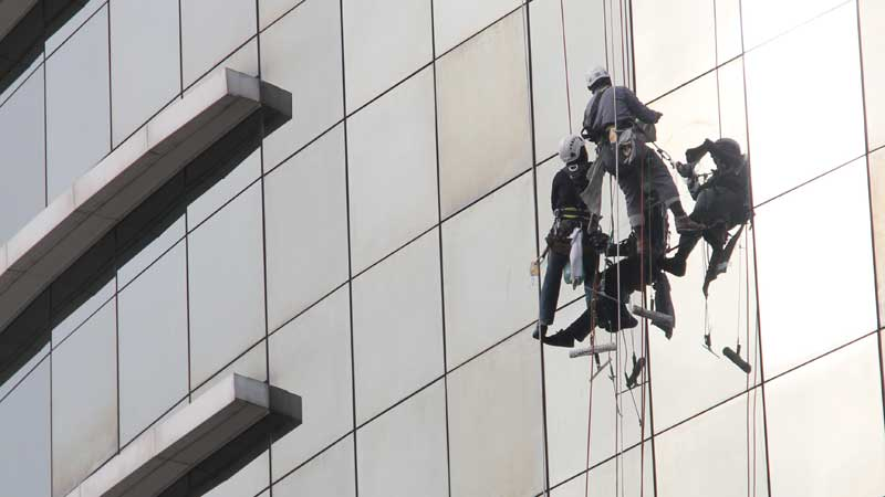 Mid Rise High Rise Window Cleaning In Overland Park