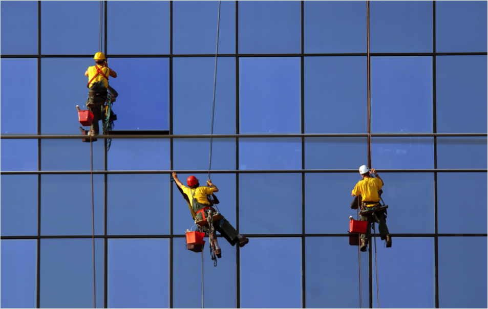 why-do-skyscraper-window-washers-in-kansas-city-need-to-wear-helmets