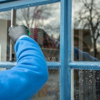 4 Tips For Winter Window Cleaning in Kansas City